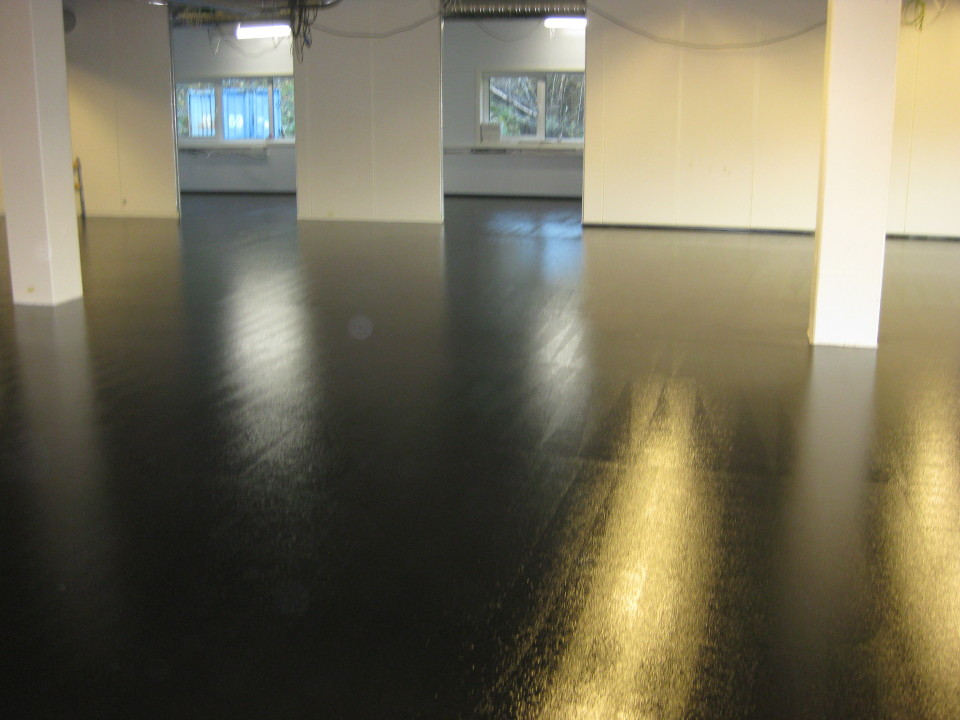 Conductive resin floor primer